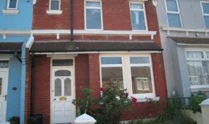 Redvers Road –  STUDENT HOUSE – Bills Inclusive – LET AGREED