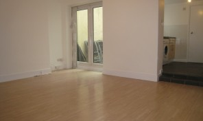 Close to Sainsburys – Gladstone Place – LET AGREED -