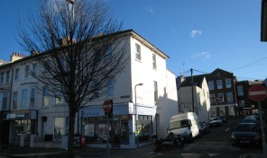 Lewes Road  – Easy access into city and Uni's – 11 month contract – LET AGREED