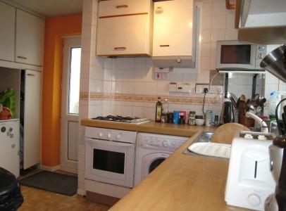 Canfield Close 14 Kitchen1