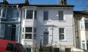 Franklin Road – Bills Inclusive –  Spacious three double bed flat