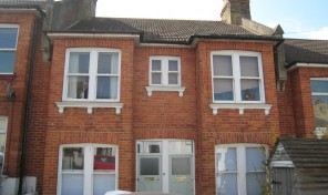 Ryde Road 2 beds with garden    – LET AGREED -