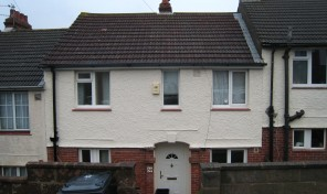 Kimberley Road – Spacious THREE double bed house with lounge
